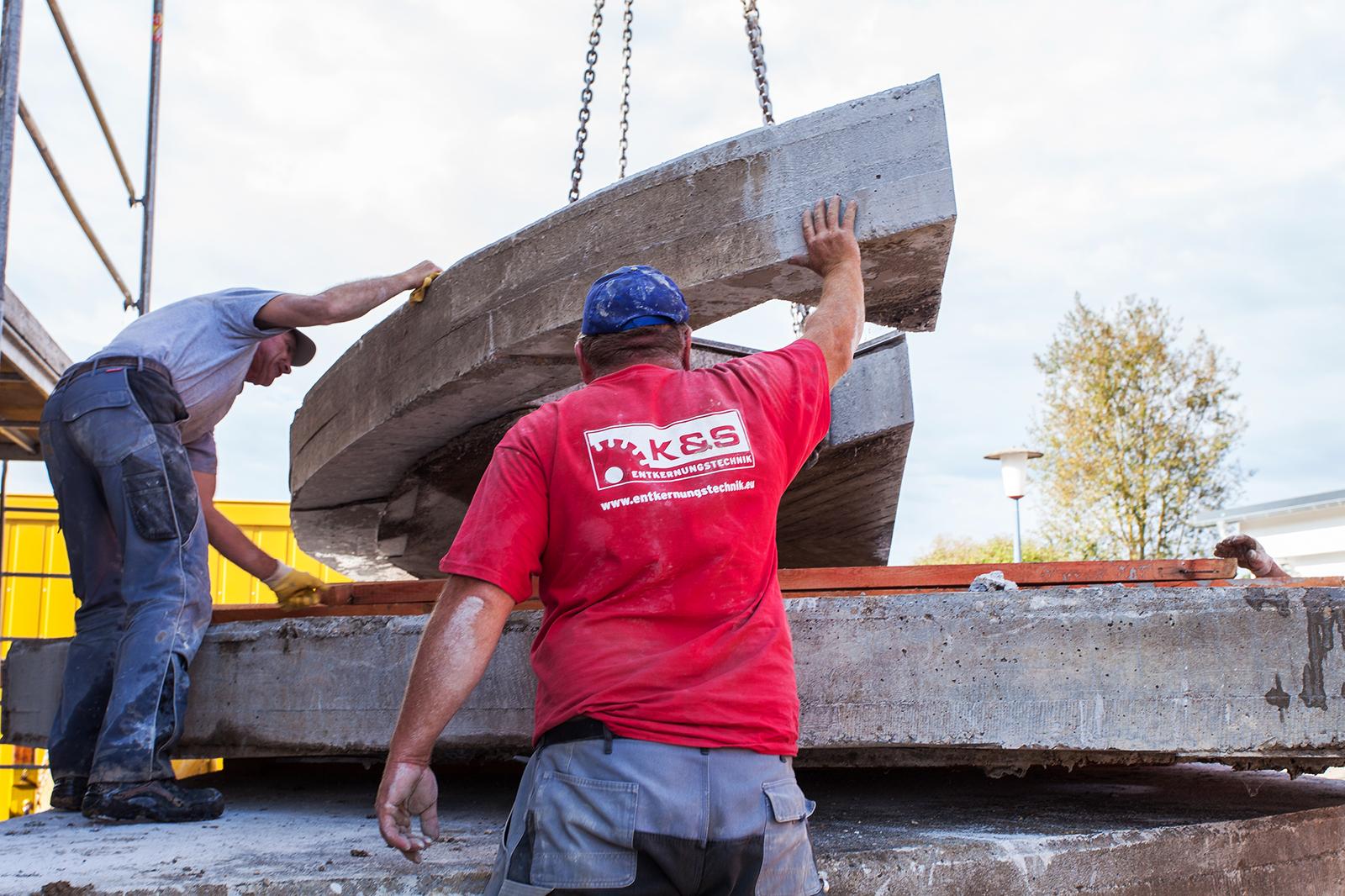 Ihre Beton-Profis in Rottweil und Schramberg: K&S Entkernungstechnik beim Betonrückbau